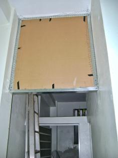 Panel colocado en el marco